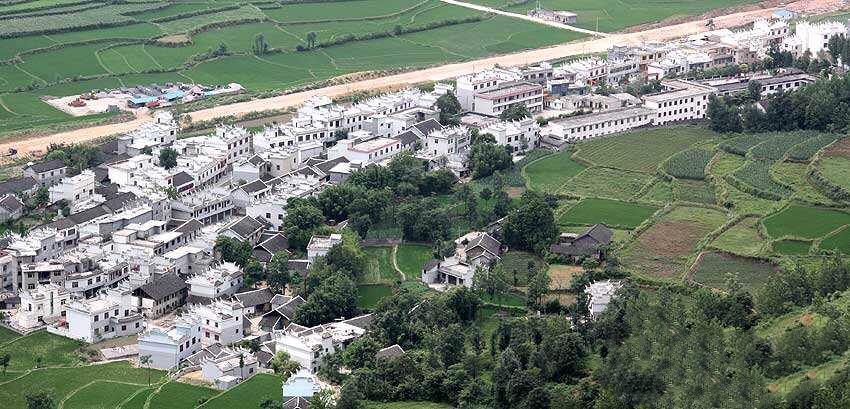 苏州市通州商会远到贵州省当造村开展帮扶工作